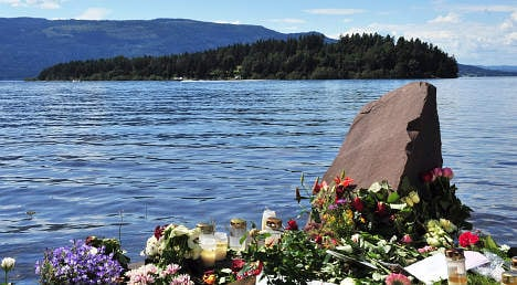 Police ignored orders to drive past Utøya