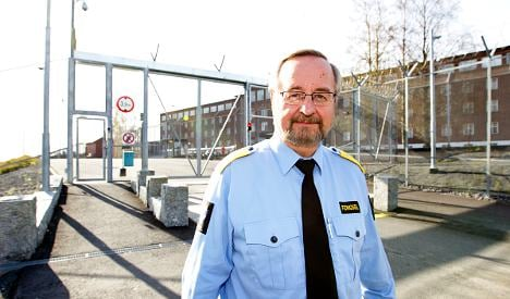 Prison plans to hire cell buddies for Breivik