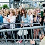 Thousands lined up to get in to the concert area. Photo: Scanpix