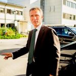 Voters want Stoltenberg to stay: polls