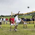 AUF members from Buskerud take on AUF Oppland in a volleyball game.Photo: Aleksander Andersen / NTB scanpix
