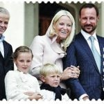 Crown Prince Haakon and his family on a Norwegian stamp.Photo: Posten/Scanpix