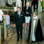 Crown Prince Haakon, Crown Princess Mette-Marit and Bishop Anne-May Grasaas leave the memorial service in Oslo Cathedral.Photo: Heiko Junge / NTB Scanpix