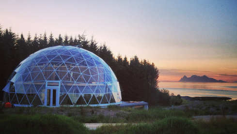Norway couple build hobbit house in dome
