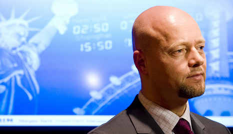 Norway's oil fund to turn active: FT