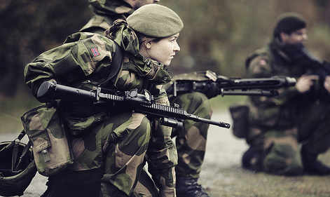 Norway army to stage mock battle in Oslo