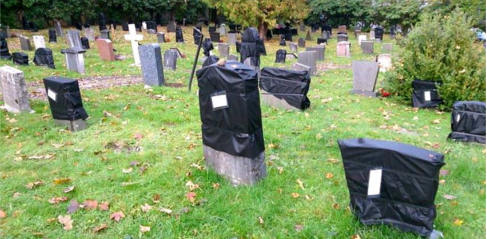 Graves in Norway bagged for late payment