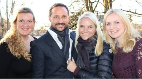 Mette-Marit fights rumours with smiling pic