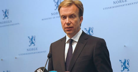 Brende and Hague hold talks about French