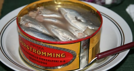 Stinky herring tin to be 'disarmed' after 25 years