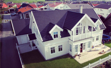 Norwegians give homes to poor in holiday gift