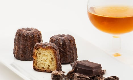 French canelés