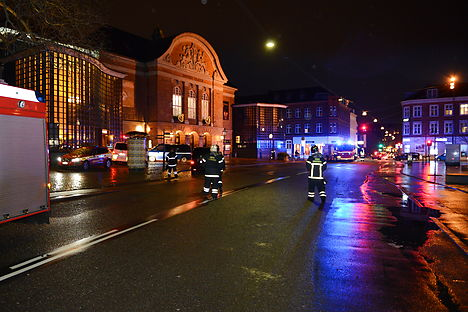 Police shut down Odense Station and the surrounding area for four hours. Photo: Sonny Munk Carlsen/Scanpix