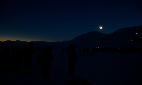 Sun watchers flock to Svalbard for total eclipse