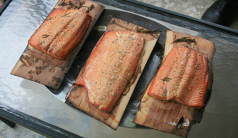 China imposes new curbs on Norway salmon