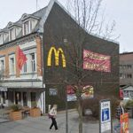 Norway McDonalds ejects lady for guide dog