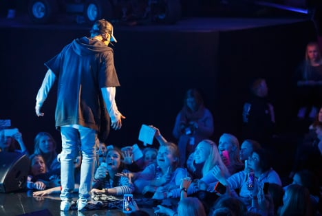 Tears as Justin Bieber storms out on Oslo fans