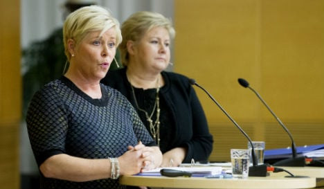 Norway to tap oil fund to pay for refugees