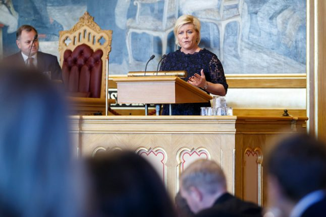 Norway dips deeper into oil riches