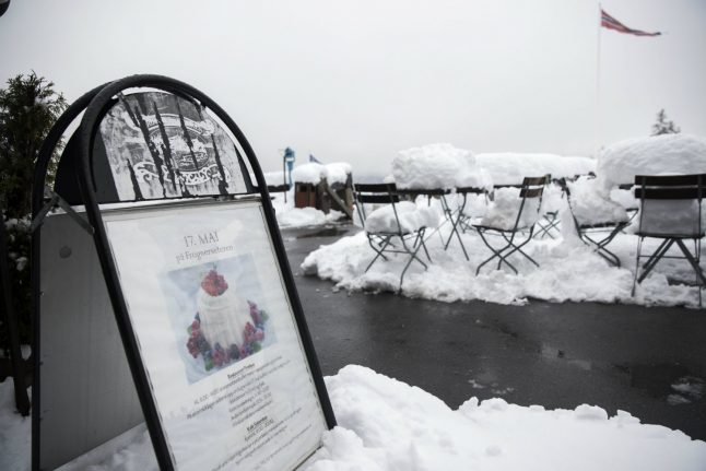 Norwegians take skis out of storage after freak snowfall