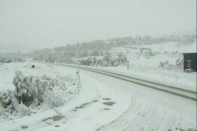 Early snow in Norway makes driving hazardous