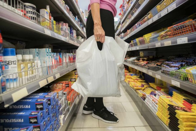 Plastic bag charge carries to Norway