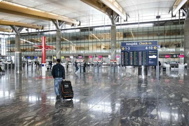 Norway to bring in armed police at Oslo airport