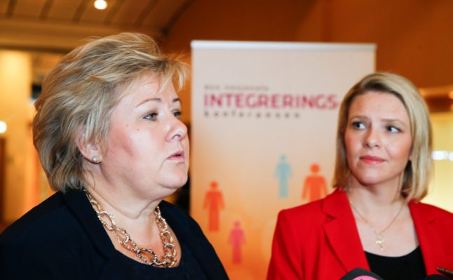 Norway government may fall on minister's no-confidence vote