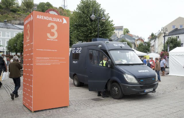 Six left-wing extremists seized at Norway politics festival