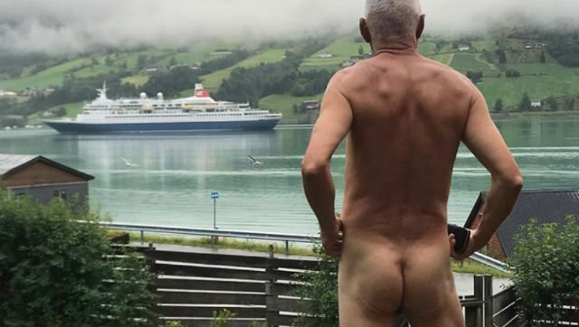 Norwegian 71-year-old in naked protest against cruise ships