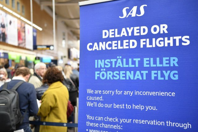 SAS flights cancelled for Sunday as strike hits second day