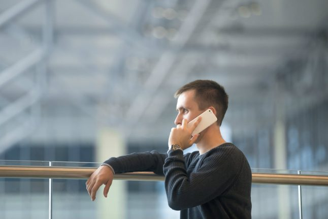 Why Norwegian mobile phone owners pay more for calls to the EU