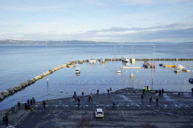 Extreme weather in Norway: Trondheim docks flooded by freak high water