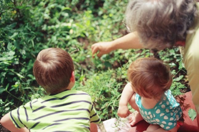 Why are foreign grandparents still unable to visit family in Norway?