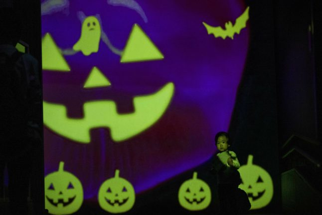 Norwegian minister says kids can celebrate Halloween with classmates