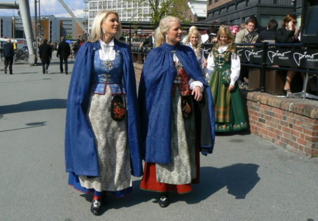 Two women wearing a bunad, which could be added to the UNESCO list of intangible cultural heritage.