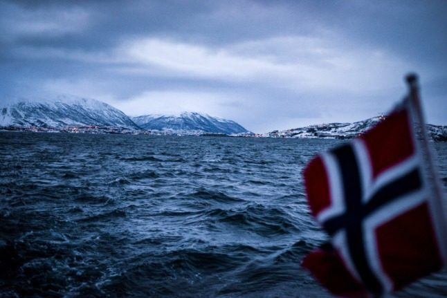 Why are Norwegian immigration authorities writing to British residents?